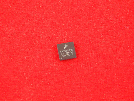Микроконтроллер MC9S08AW32