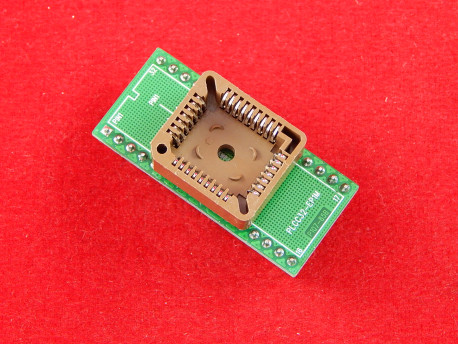 Переходники для микросхем PLCC 32- DIP32 на плате