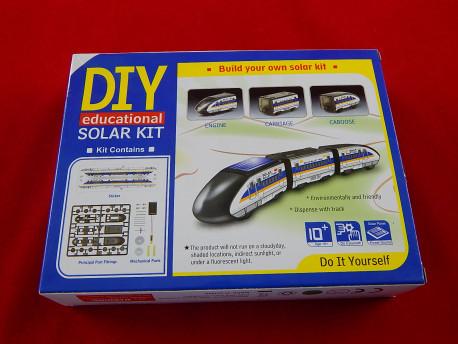 Поезд-конструктор на солнечной батарее Solar Bullet Train