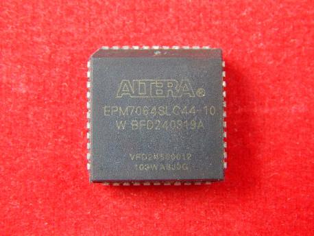 EPM7064SLC44-10W ПЛИС семейства MAX-7000 PLCC-44